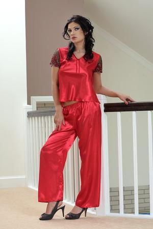 5baeea72d0ef Saténové pyžamo Ewa červené