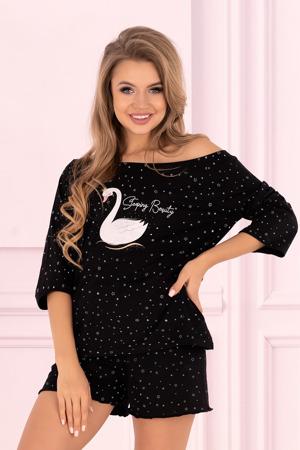 pyzama-model-143706-livia-corsetti-fashion.jpg