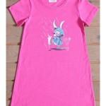 Dětská noční košile s krátkým rukávem Zajíc v pláštěnce